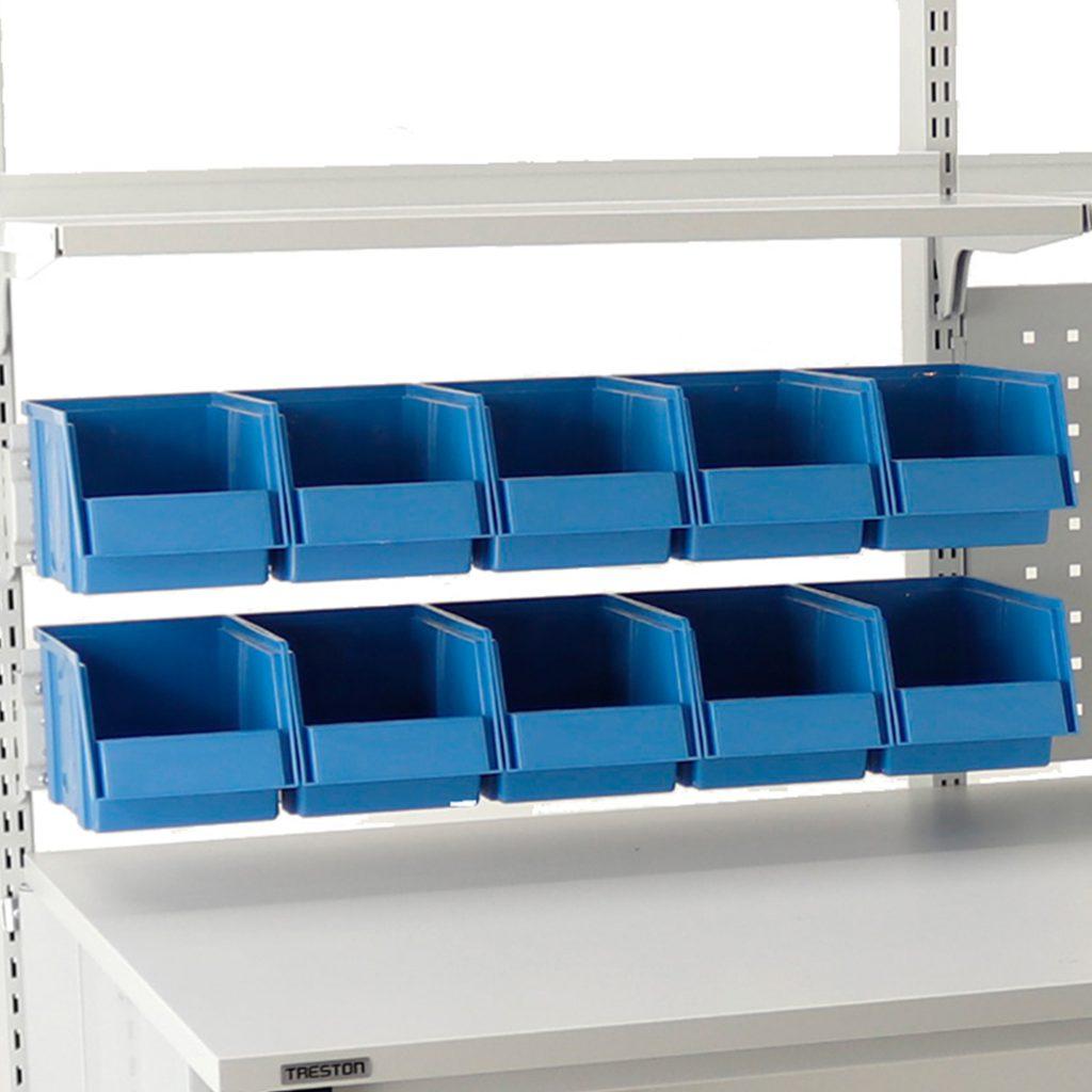 Sovella Nederland Treston opslagbakken - containers en bakkenstrips op een werktafel of inpaktafels - logistieke werkplek - magazijn werktafel