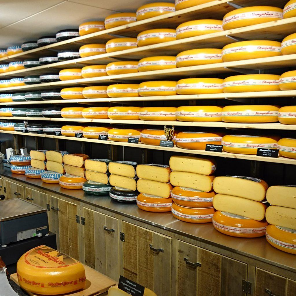 Sovella Nederland Noel van Breugel Fipro wandrails voor winkelinrichting met steigerplanken