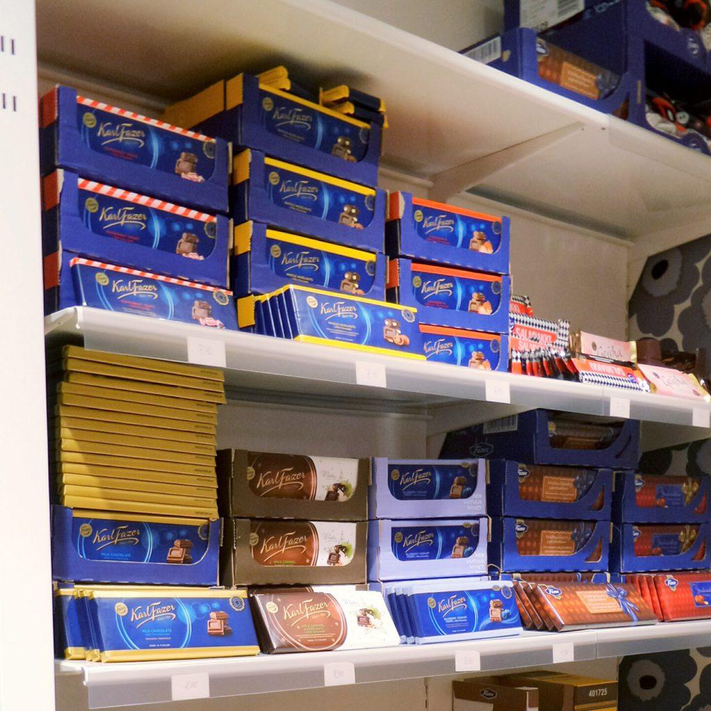 Sovella Nederland fipro wandrails winkelinrichting met legborden